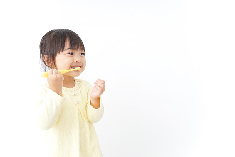 第一期矯正治療(2歳半〜12歳頃)