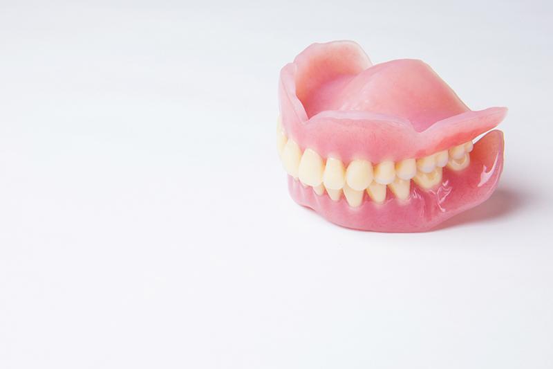保険適用の入れ歯・レジン床入れ歯